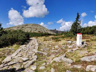 Die Elbquelle und der höchste Wasserfall der Tschechischen Republik über Špindlerův Mlýn