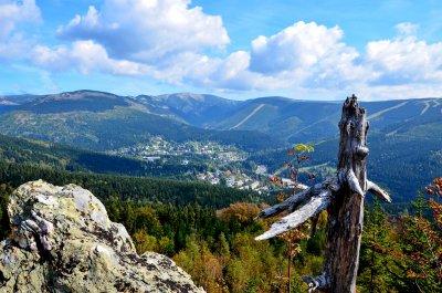 Ein Geheimtipp für den schönsten Aussichtspunkt von Krkonoše - Harrachova skála