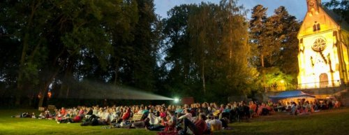 Enjoy the real summer. Where to go to the summer cinema in the Giant Mountains?