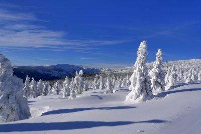 Denne vintertur er et godt tip til romantisk vinterturisme i Špindlerův Mlýn - i de kæmpe bjerge.