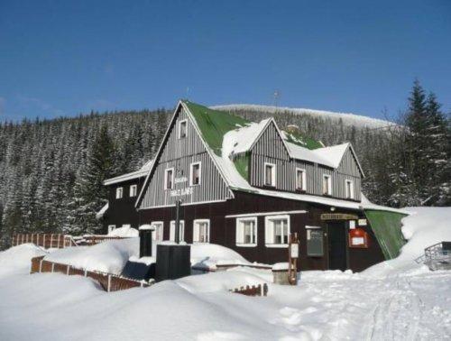 Romantische Winterwanderung zu den Wasserfällen der Bílé Labe