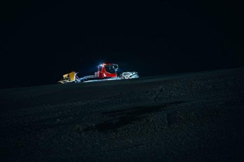 Experience snowmobile ride in Špindlerův Mlýn