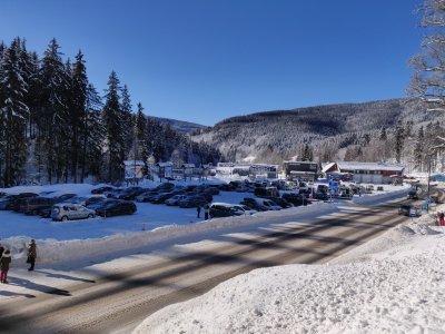 Parking and parking in Spindleruv Mlyn in winter