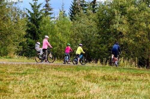 Radtouren in Špindl. Beliebte Radwege und Radfahren in Špindlerův Mlýn und im Riesengebirge