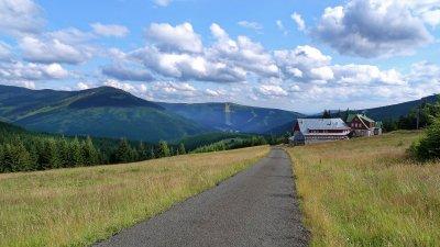Radtour durch Petrovka nach Moravská bouda, Sedmidolí und Davidovky
