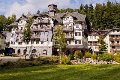 Asten Hotels, Hotel SAVOY